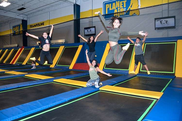 Benefits of Visiting a Trampoline Park